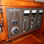 L535-35-Island-Packet-35-Nav-Station-Panel-20